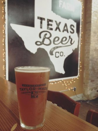 Texas Beer Company: Beer and decor.