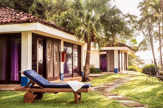 Playa San Miguel, Costa Rica: With only four cabinas, there is never at crowd and the privacy is unrivaled in San Miguel/Javil