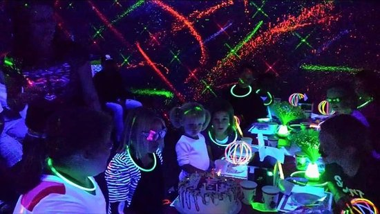 Belleville, IL: Book your child's BEST PARTY EVER today!! We even do 3D GLOW parties! Call us at 618-234-4502
