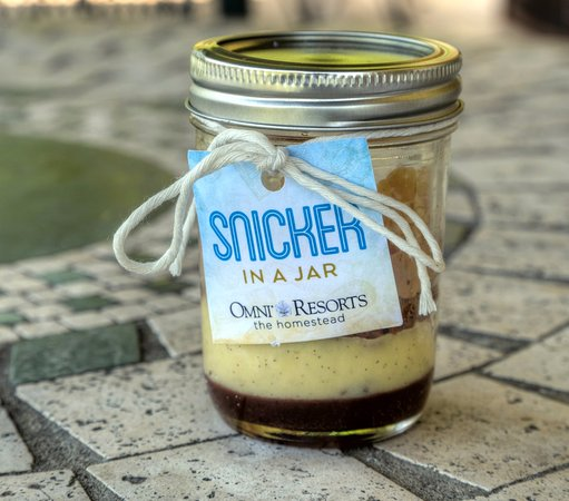 Hot Springs, VA: Dessert on the run? Snicker in a Jar!