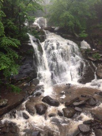 Haines Falls, NY: Falls from the road