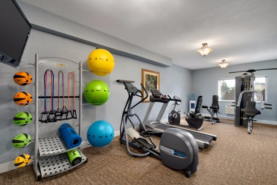 Best Western Plus Peppertree Airport Inn: 24 hour fitness room with pilates and yoga bar.