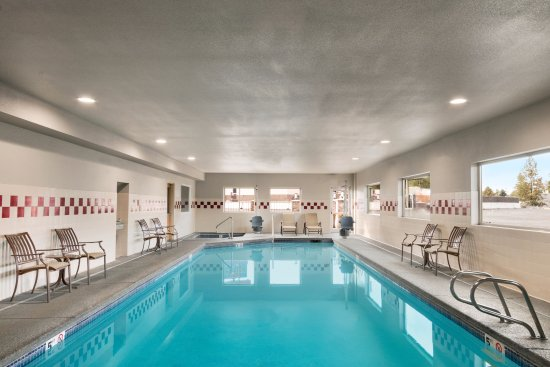 Best Western Plus Peppertree Airport Inn: 24 Hour Pool