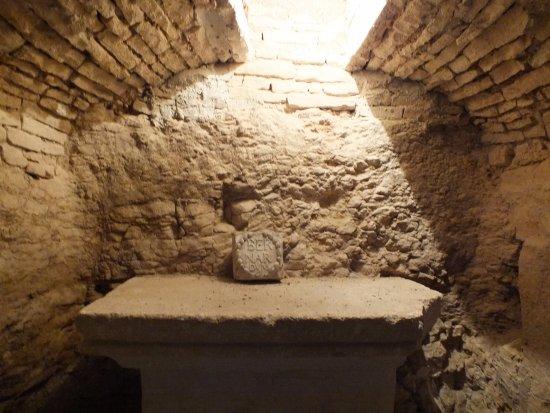 Châtillon-sur-Seine, França: crypte