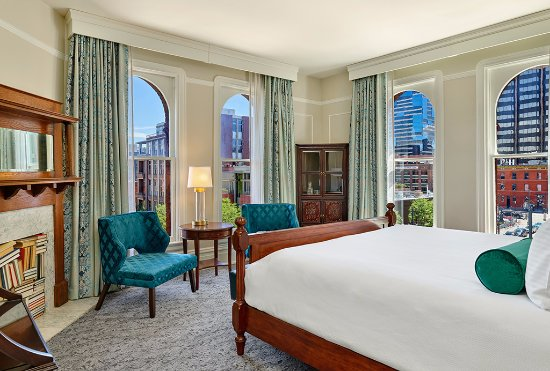 The Oxford Hotel: Premium Corner
