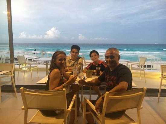 Sandos Cancun Lifetyle Resort: IMG-20170615-WA0014_large.jpg