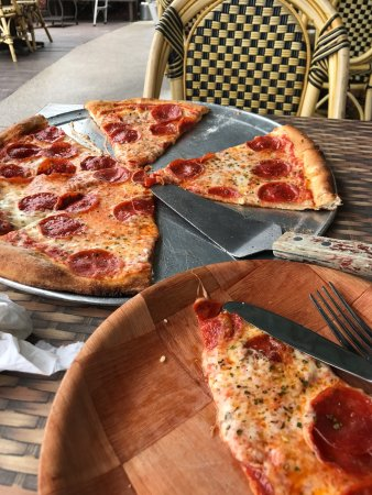 Britt's Coal Fire Pizza : photo1.jpg