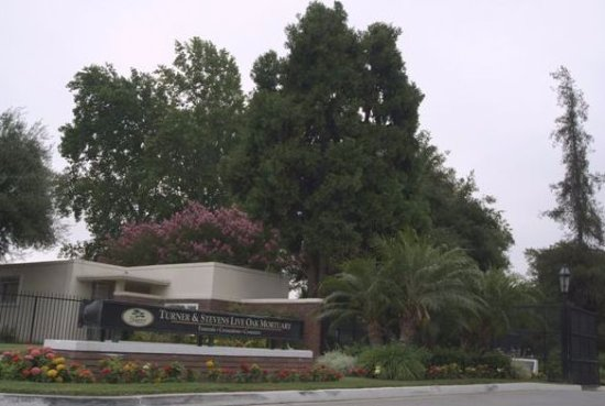 Monrovia, CA: Turner & Stevens Live Oak Mortuary & Memorial Park