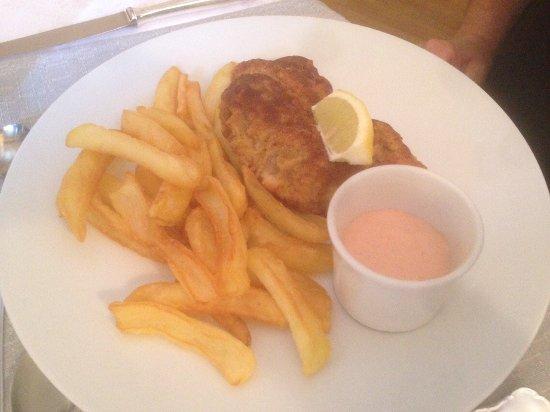 Ingersheim, France: cuisse de poulet avec frites