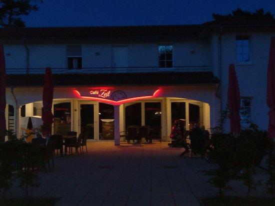 Ostseebad Baabe, Niemcy: Café Zeit Baabe bei Nacht