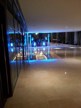 Address Dubai Marina : Towards the wedding reception in the hotel hall