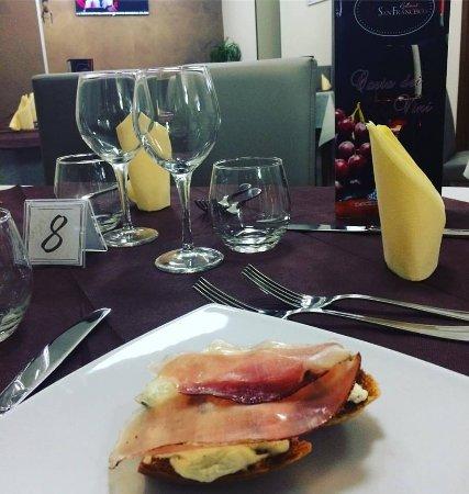 Spezzano della Sila, Italia: Bruschetta con Gorgonzola e Speck