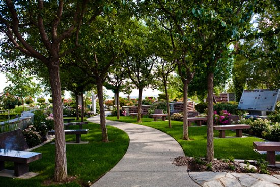 Hillcrest Memorial Park and Mortuary - Picture of Hillcrest Memorial ...