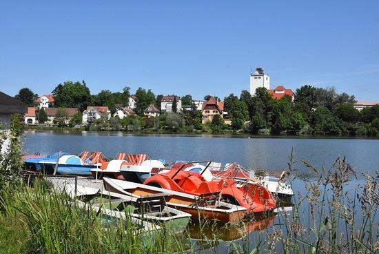 Bad Waldsee, Tyskland: Stadtsee vom Ruderbootverleih aus