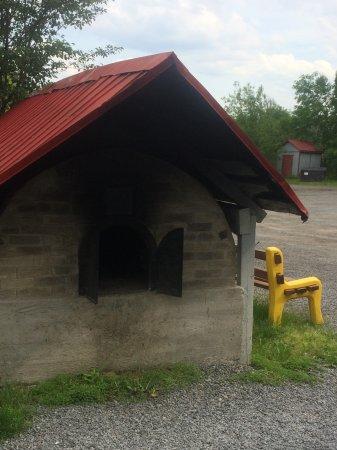 Chateau Richer, Canada: Bread oven