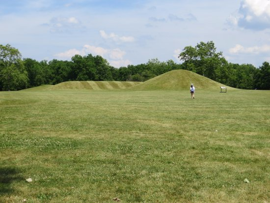 Chillicothe, OH: Two types of mounds