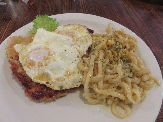 Maryville, Τενεσί: Pork Schnitzel Vienna Style with Kasespatzle