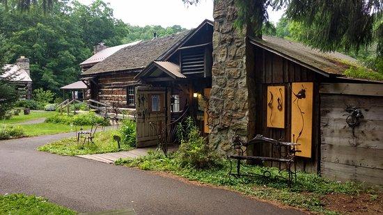 Addison, PA: Spruce Forest Artisan Village - Grantsville, MD