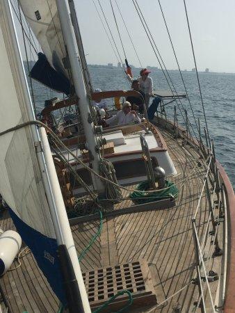 Full sails - Picture of Phoenix Travel Yacht Charter, La Libertad