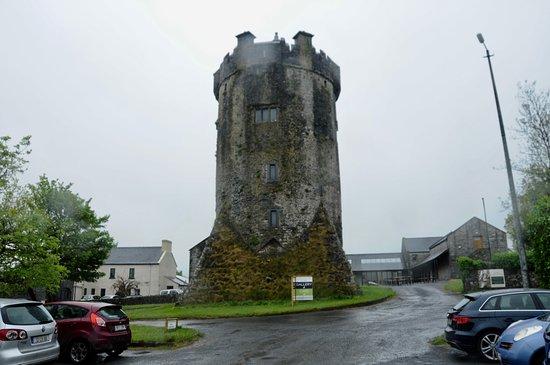 Newtown Castle : Wet & Rainy day