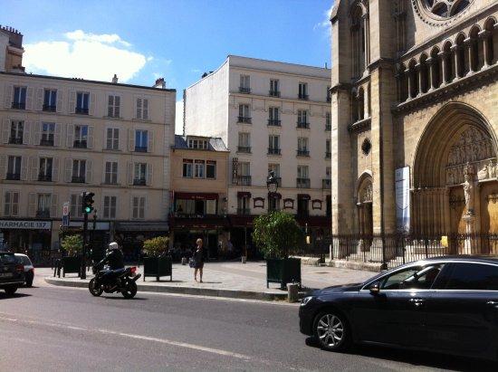 Hotel de la Perdrix Rouge: hotel gebouw