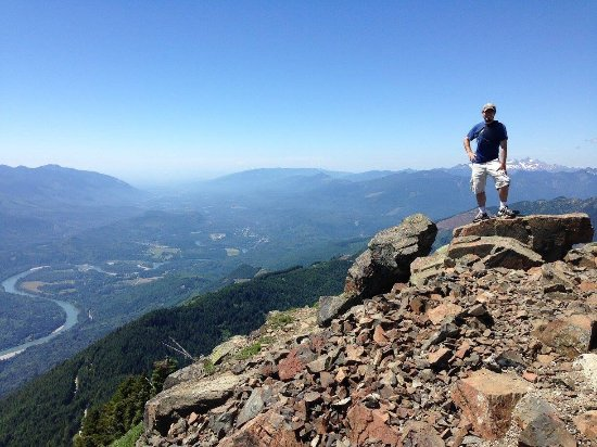 Sauk Mountain Trail: At the summit