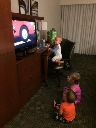 Jackson, TN: 10pm tv unwinding