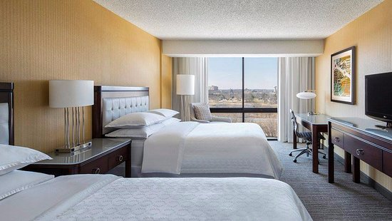 Sheraton West Des Moines Hotel: Double Room