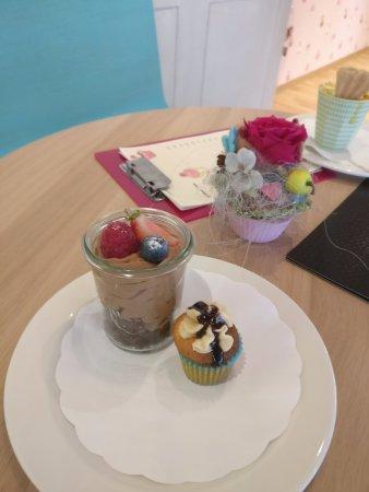 Naters, Suisse : verschiedene Desert-Kreationen mit den bekannten Cupcakes