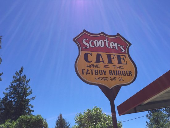 Oroville, Califórnia: Scooters Cafe Home of the Fatboy Burger