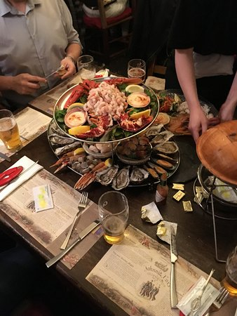 Glencullen, Irlande : The amazing Giant Shellfish Platter