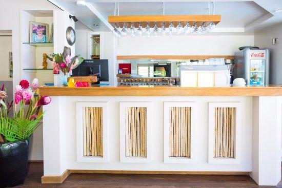 Titikaveka, Cook Eilanden: Poolside Bar