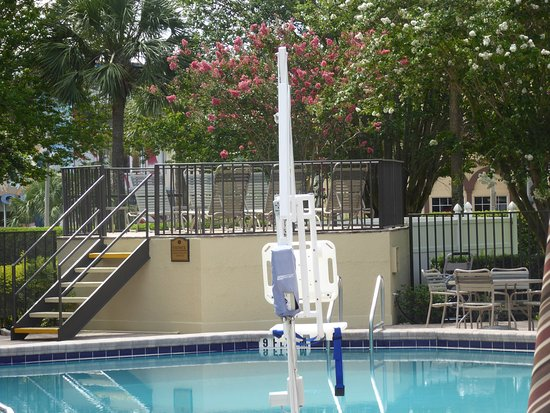 Rosen Inn: this is the pool lift for those with reduced mobility