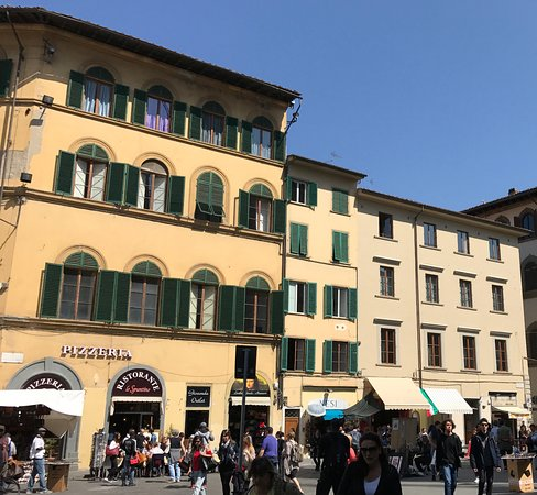 Corte dei Medici : hotel on left