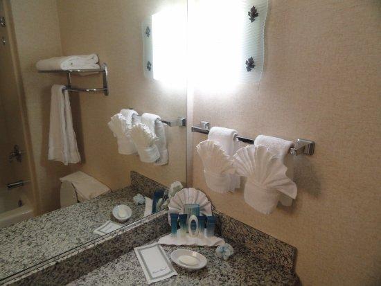 Oakhurst, CA: Decoración del baño.