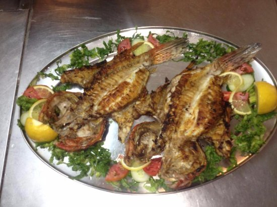 Agios Prokopios, Greece: Every day Fresh Fish