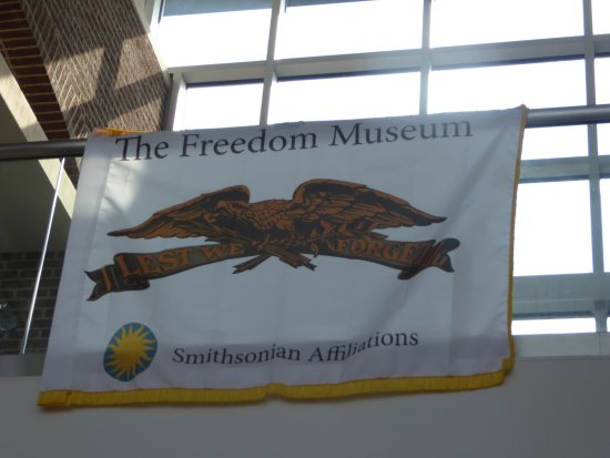 Freedom Museum: Banner
