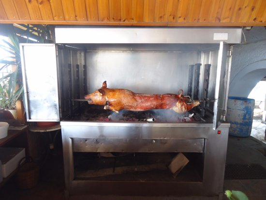 Agios Prokopios, Greece: Every Saturday and Wednesday Pork on the Spit