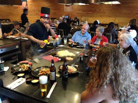 Sumo Japanese Restaurant: Sumo Hibachi chef at work