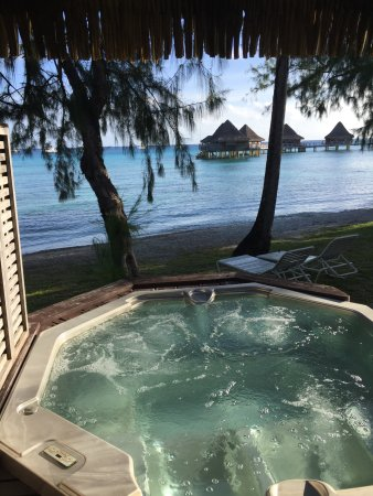 jacuzzi outside of my room photo de hotel kia ora. Black Bedroom Furniture Sets. Home Design Ideas