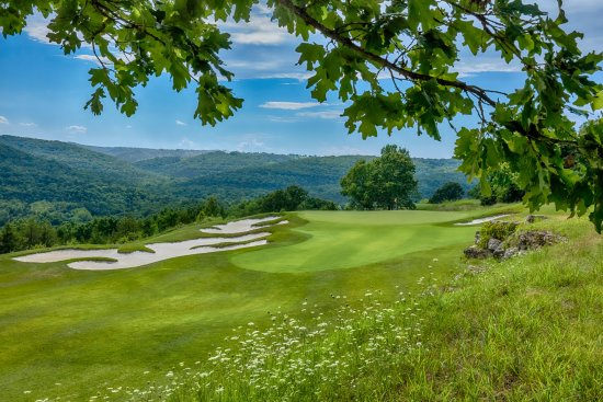 Hollister, MO: Buffalo Ridge Hole 11