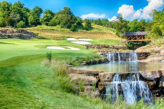 Hollister, MO: Buffalo Ridge Hole 15