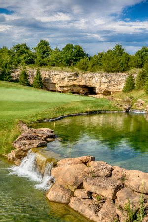 Hollister, MO: Buffalo Ridge Hole 17