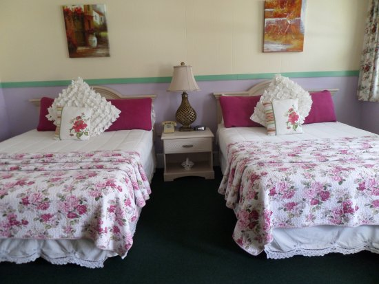 Rockport, ME: two queen beds