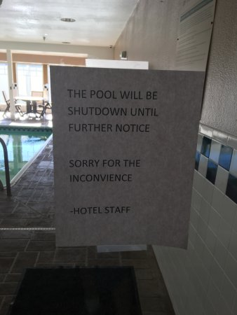 Country Inn & Suites by Radisson, Bloomington-Normal Airport, IL: No warning about this.