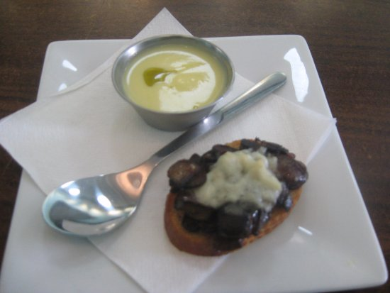 Taste Carolina Gourmet Food Tours: chilled squash soup and mushroom crostini