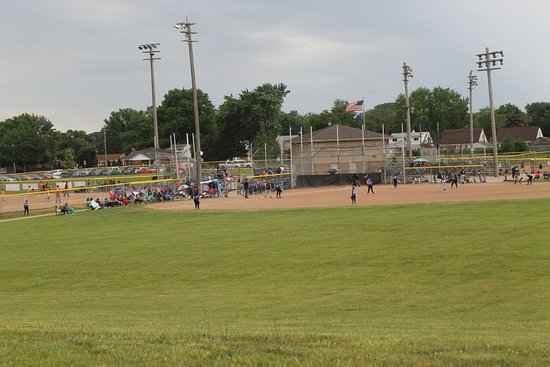 Roseville, MI: Baseball diamond , part of Huron PaRK