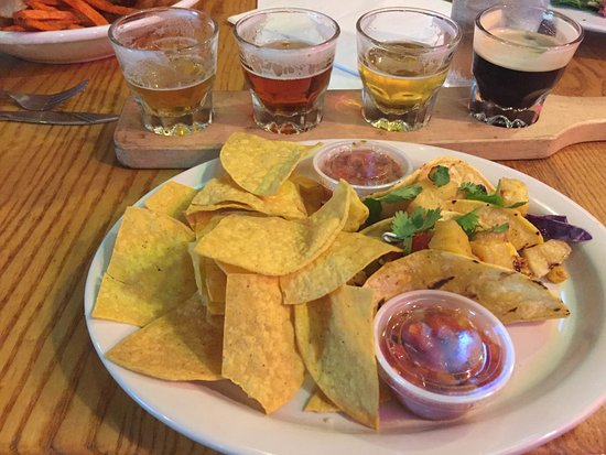 Duckworth's Grill & Taphouse Photo