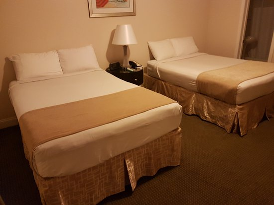 Beach Place Hotel: room 215