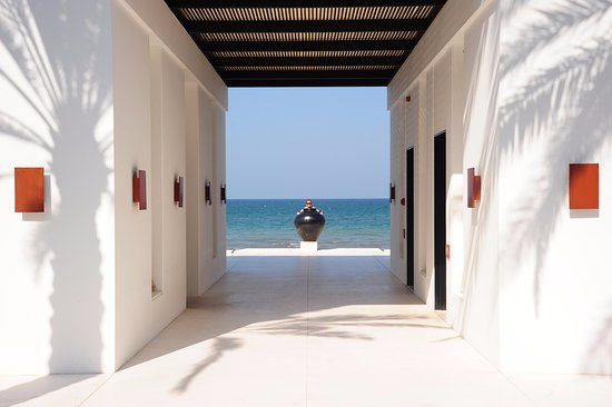 The Chedi Muscat – a GHM hotel: On the way to the beach